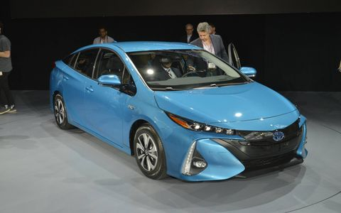 2017 Toyota Prius Prime debuts at the New York auto show.