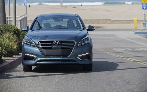 The 2016 Sonata Hybrid comes standard with seven airbags, including a new driver's knee airbag.