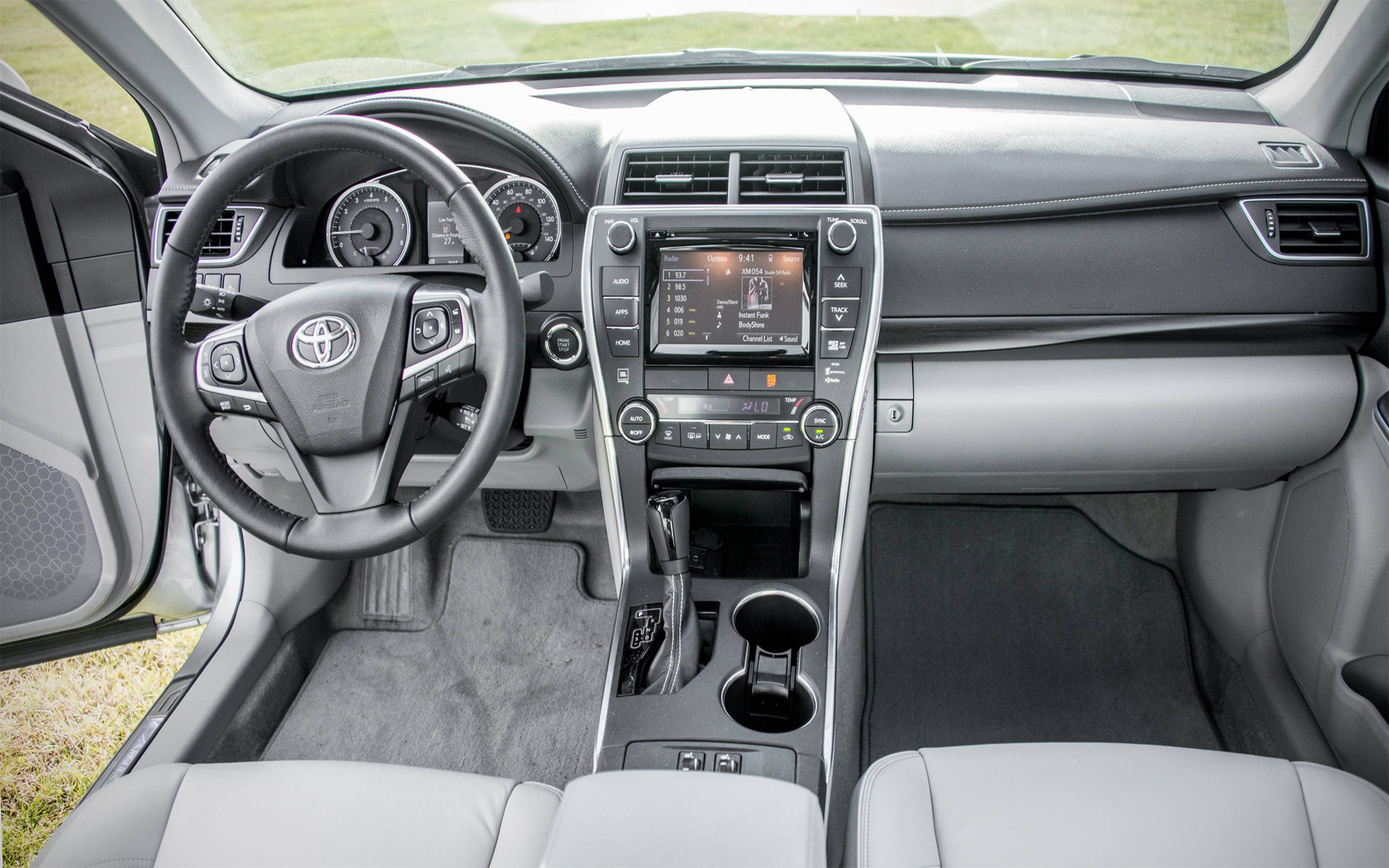 2015 Toyota Camry Xle V6 First Drive