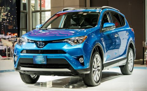 Toyota presented the RAV4 Hybrid at the New York auto show.