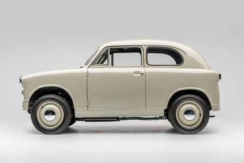 After the war Japanese carmakers often started out making rebadged versions of European cars, in addition to making their own. Here are a few more. This is a 1957 Suzulight Model SL