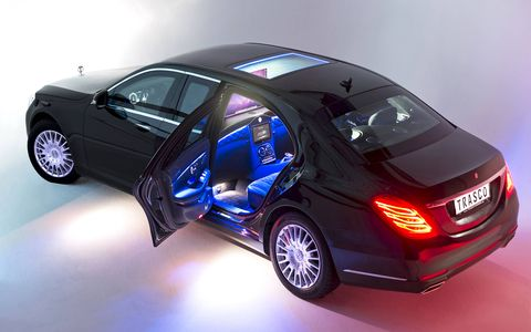 This S-class sedan has been given a B-pillar inserted section.