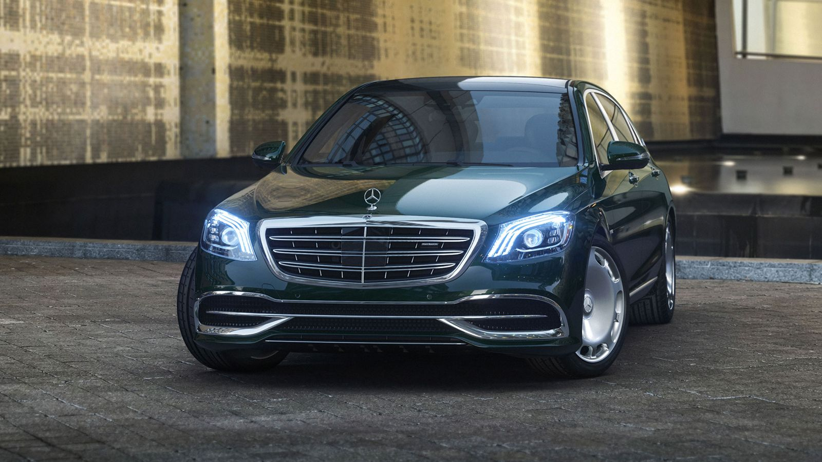 The V12 Lives On In The Next Mercedes S Class But Not The Gls Suv