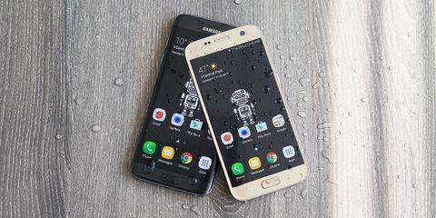 Samsung GS7 Duo smartphones
