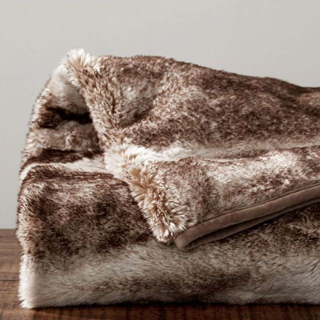 9 Best Faux Fur Throw Blankets For Fall 2018 Soft Luxe