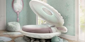 Mermaid clamshell bed