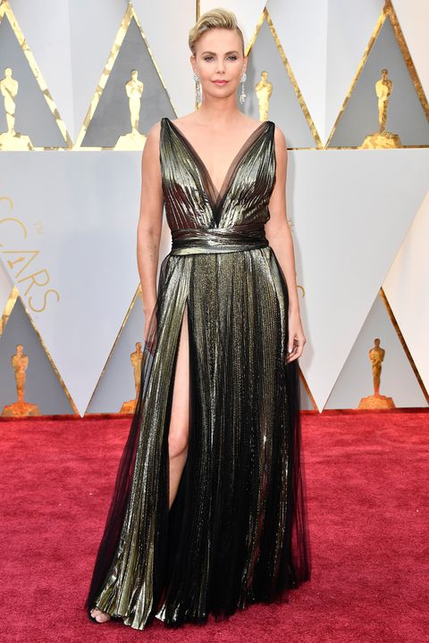 charlize theron oscars dress 2017
