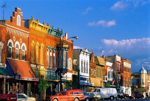 Town, Urban area, Neighbourhood, Sky, Building, Landmark, City, Transport, Architecture, Mixed-use,
