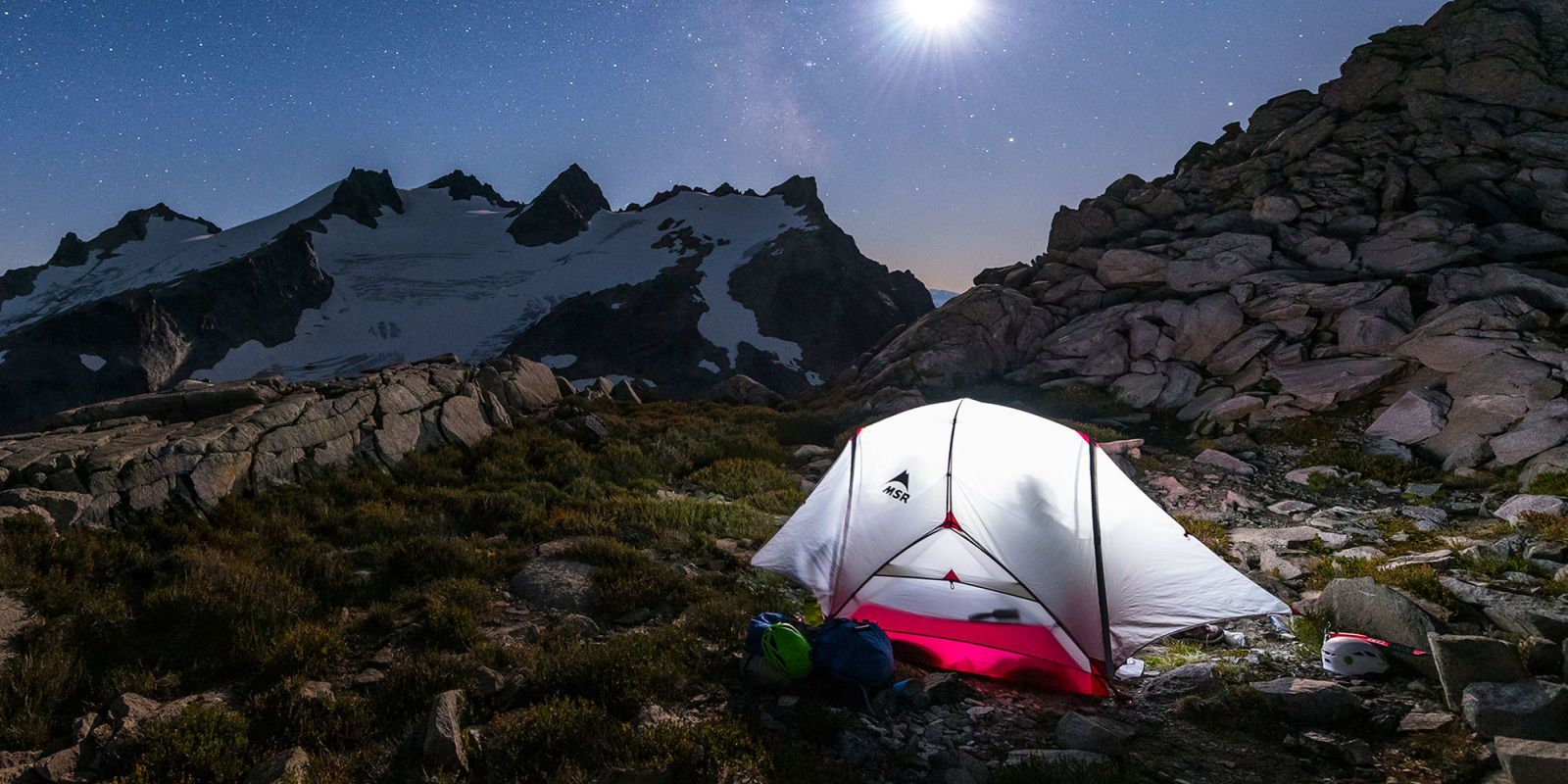 Stuff one of these top-rated backpacking tents into your overnight pack and head out to the mountains for some off-the-grid c&ing. & 11 Best Backpacking Tents for 2018 - Lightweight One and Two ...