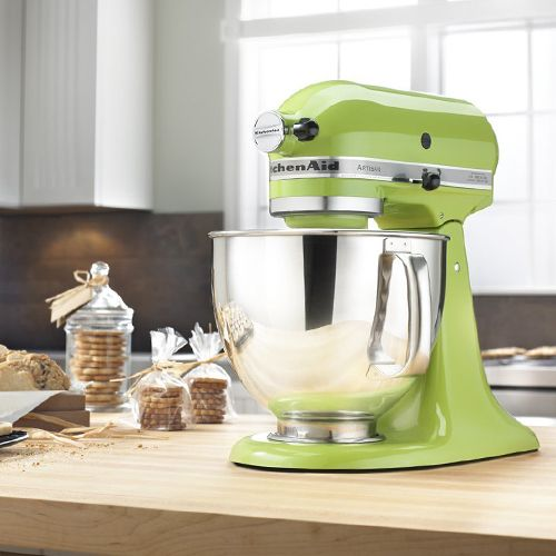 Retro Kitchen Appliances. KitchenAid Artisan Series 5 Quart Stand Mixer