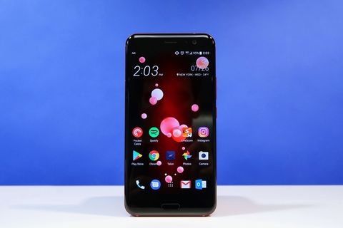 HTC U11 Review 2018 - A Squeezable Smartphone You Have to