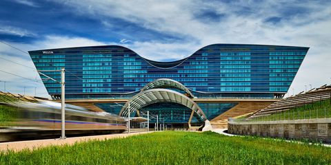 best airport hotels