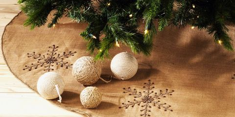 11 best burlap christmas tree skirts for 2018 rustic natural tree skirts - Burlap Christmas Tree Skirt