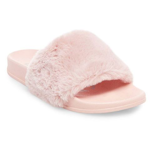 size 40 d81ce 4711e 14 Best Fur Slides for Fall 2018 - Furry Slides From Puma ...