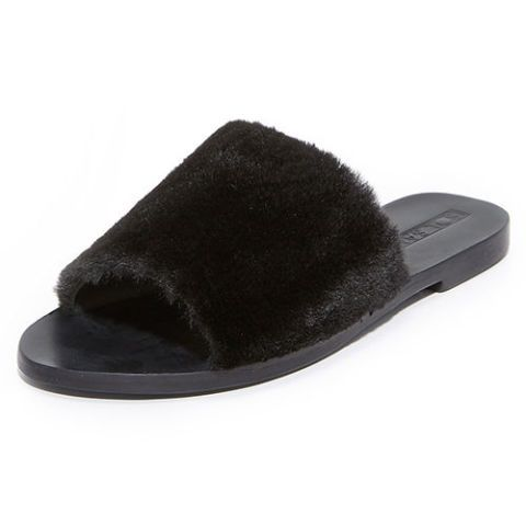 size 40 24929 be071 14 Best Fur Slides for Fall 2018 - Furry Slides From Puma ...