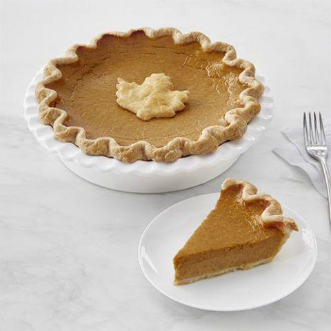 Sweet Things Pumpkin Pie with Leaf