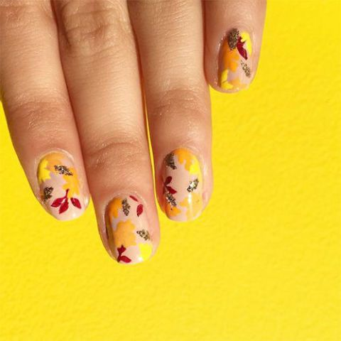 changing-leaves-nails