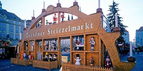 Dresden Striezelmarkt — Dresden, Germany