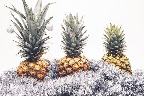 Pineapple, Ananas, Fruit, Plant, Botany, Food, Bromeliaceae, Terrestrial plant, Produce, Poales,