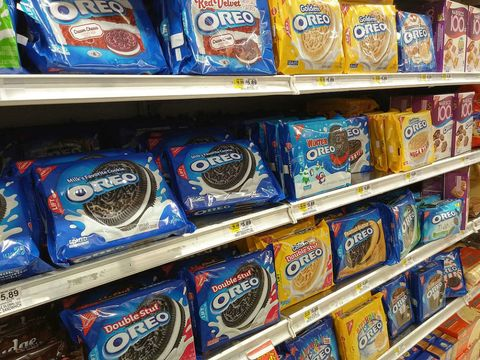 Snack, Product, Convenience food, Grocery store, Cookie, Oreo, Supermarket, Cookies and crackers, Food, Convenience store,