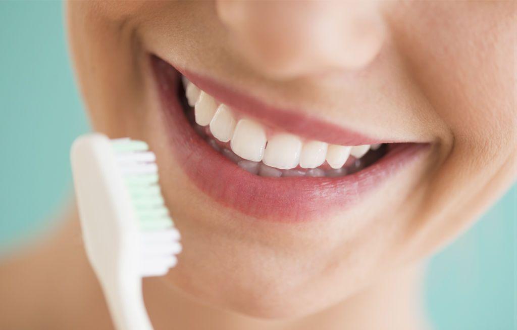 dentifricio sbiancante al bicarbonato