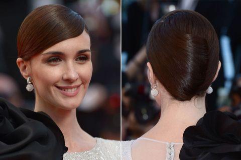 Head, Ear, Hairstyle, Forehead, Eyebrow, Earrings, Style, Eyelash, Beauty, Fashion,