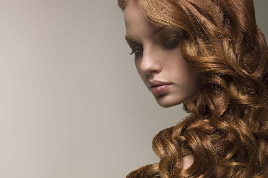 Come passare dai capelli lisci a ricci