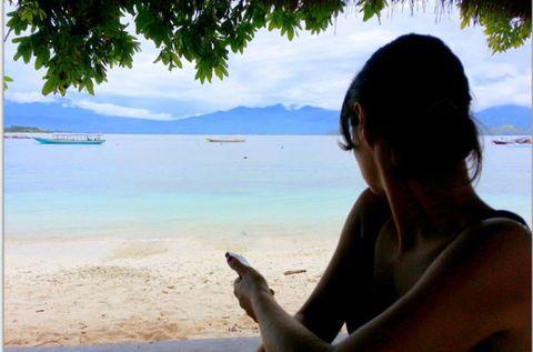 Body of water, Coastal and oceanic landforms, Tourism, Shore, Beach, Summer, Coast, Ocean, Sea, Vacation,