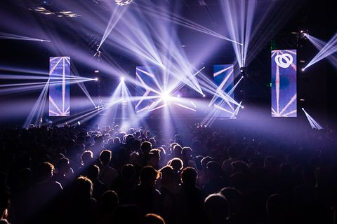 Event, Entertainment, Crowd, Electricity, Performing arts, Magenta, Stage, Performance, Visual effect lighting, Purple,