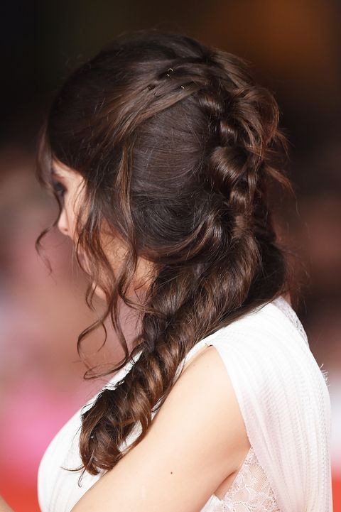 Hair, Brown, Hairstyle, Shoulder, Joint, Style, Beauty, Brown hair, Long hair, Back,