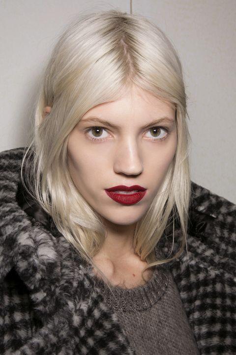 Lip, Hairstyle, Chin, Eyebrow, Eyelash, Style, Iris, Beauty, Fashion, Pattern,