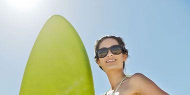 Eyewear, Liquid, Skin, Surfing Equipment, Brassiere, Swimwear, Summer, Swimsuit top, Beauty, Undergarment,