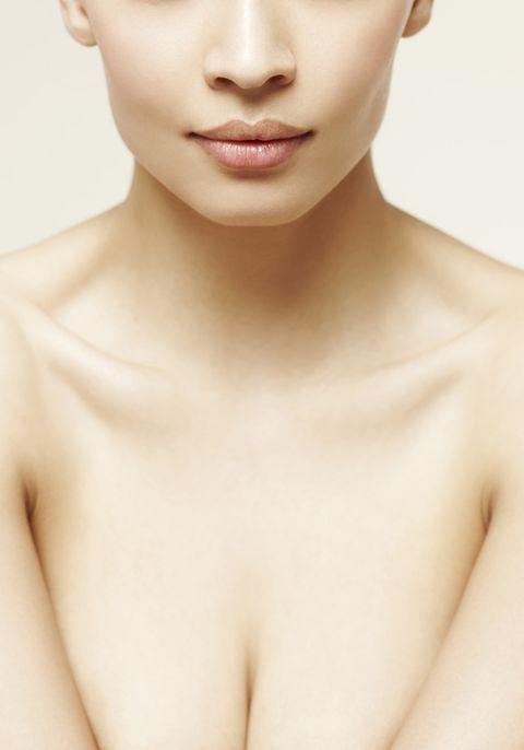 Lip, Cheek, Skin, Chin, Shoulder, Joint, Chest, Jaw, Trunk, Organ,
