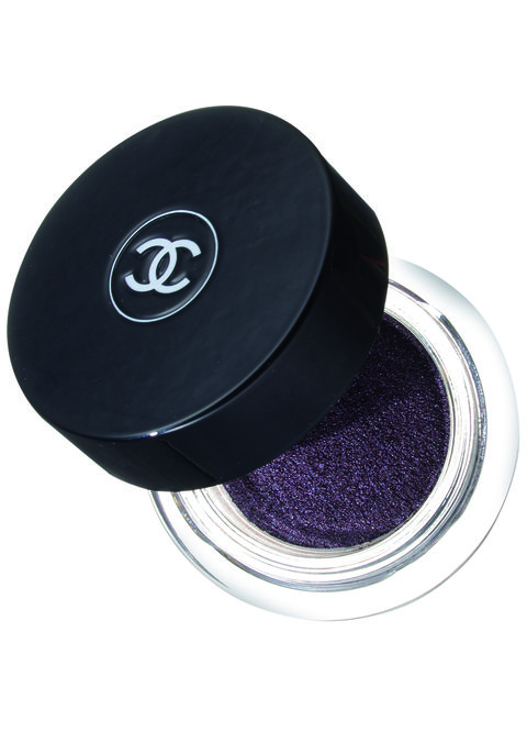 Purple, Violet, Lavender, Magenta, Circle, Material property, Paint, Silver, Cosmetics, Glitter,