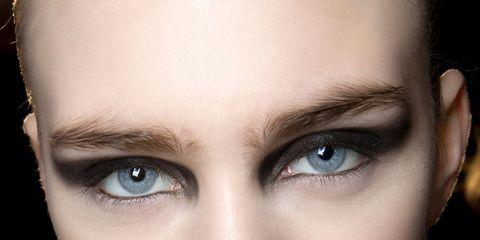 Finger, Lip, Brown, Skin, Eyebrow, Eyelash, Hand, Nail, Style, Iris,