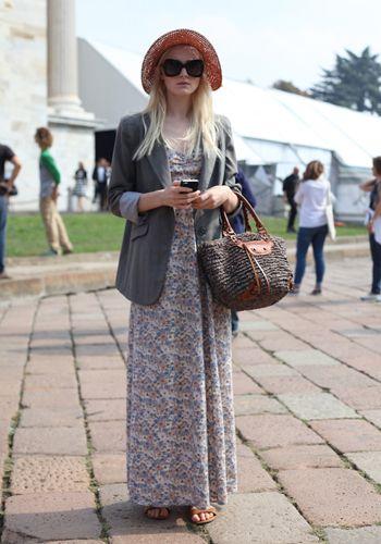Clothing, Bag, Textile, Photograph, Outerwear, Style, Street fashion, Sunglasses, Fashion accessory, Tourism,