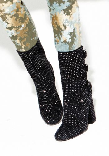 Costume accessory, Natural material, Sock, Knee-high boot, Synthetic rubber,