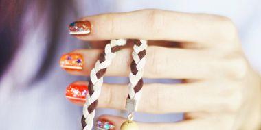 Finger, Brown, Orange, Amber, Jewellery, Fashion accessory, Body jewelry, Nail, Natural material, Beige,