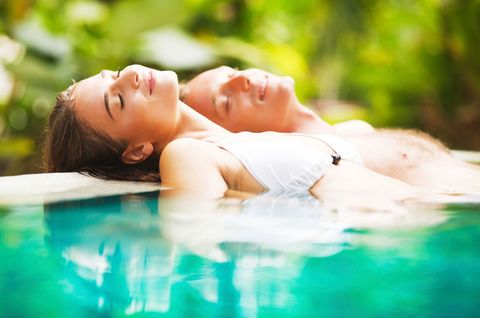 Lip, Skin, Swimming pool, Leisure, People in nature, Summer, Chest, Muscle, Vacation, Beauty,