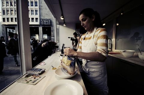 Serveware, Countertop, Porcelain, Dishware, Ceramic, Cooking, Kitchen, Sink, Kitchen utensil, Plumbing fixture,