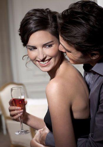 Hair, Nose, Stemware, Drinkware, Glass, Wine glass, Barware, Drink, Alcoholic beverage, Tableware,