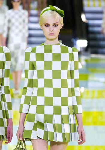 Yellow, Green, Sleeve, Pattern, Dress, Style, One-piece garment, Street fashion, Day dress, Fashion,