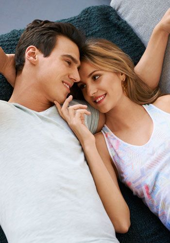 Nose, Mouth, Finger, Smile, Eye, Shoulder, Comfort, Hand, Elbow, Happy,