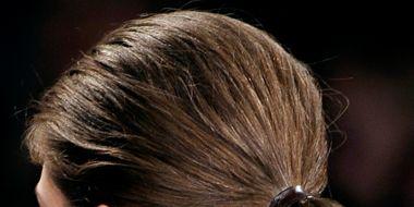 Hair, Ear, Brown, Hairstyle, Chin, Forehead, Earrings, Style, Beauty, Brown hair,