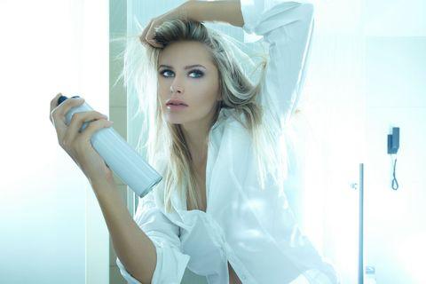 Hair, Skin, Blond, Beauty, Eye, Long hair, Photography, Eyelash, Photo shoot, Ear,