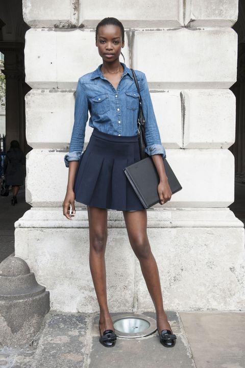 Blue, Sleeve, Shoulder, Collar, Human leg, Joint, White, Style, Street fashion, Knee,