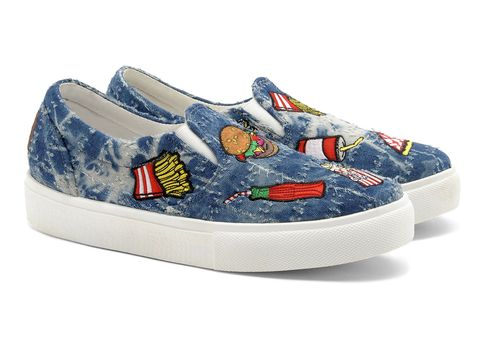 Sneakers slip on in denim tie &amp; dye con toppe <em>fast-food</em>