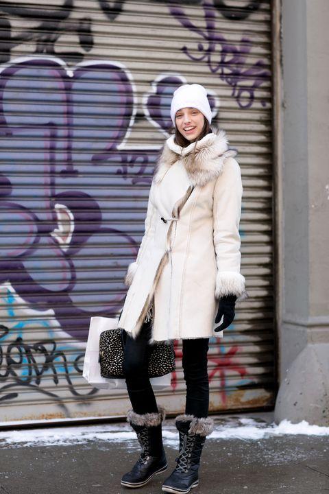 Clothing, Leg, Winter, Textile, Outerwear, Human leg, Boot, Coat, Style, Street fashion,
