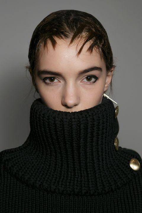 Clothing, Lip, Hairstyle, Eyebrow, Eyelash, Iris, Fashion, Neck, Wool, Woolen,