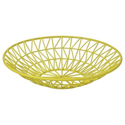"""Lascia sulla tavola un centrotavola design da riempire, se vuoi, con frutta di stagione: centrotavola in metallo colorato <strong><a href=""""http://www.marksandspencer.com"""">Marks and Spencer</a></strong> (€ 11,95 c.a)"""